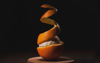 ¡Usa la piel de la naranja!